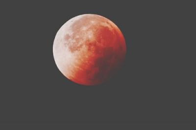3/23は天秤座の月食満月 自分へのあきらめ手放そう