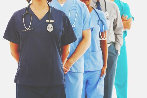 【心理テスト】病気のときに選んだ医者でわかる、あなたを助けてくれるキーパーソン
